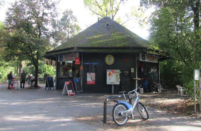 Tivoli Pavillon Am Englischen Garten Der Kiosk Gegenüber Der Hirschau