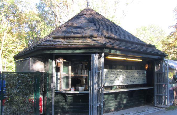 Das Mini-Hofbräuhaus im Englischen Garten mit Kiosk