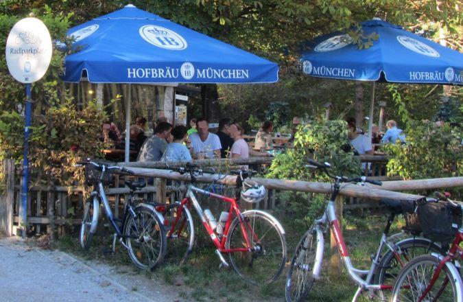 Das Mini-Hofbräuhaus München im Englischen Garten München