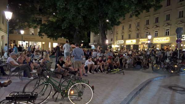Nachtleben am Wedekindplatz in der Feilitzschstraße